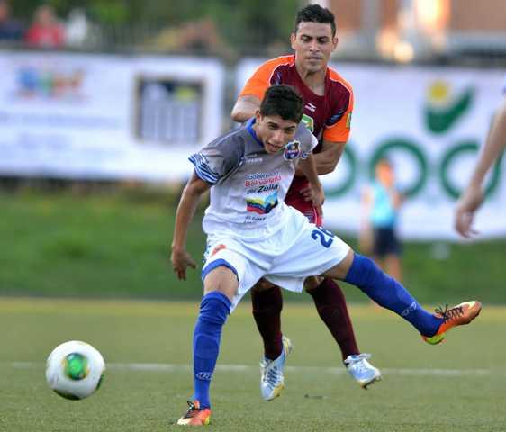 Jefferson Savarino, quien ya marcó su primer gol en Primera, vuelve a la titular.