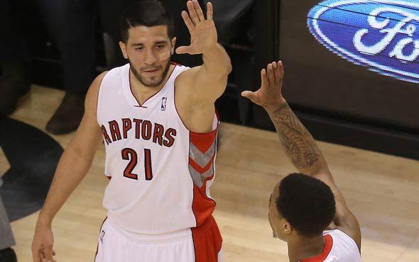 Greivis Vásquez se la lleva bien con sus compañeros en Toronto.
