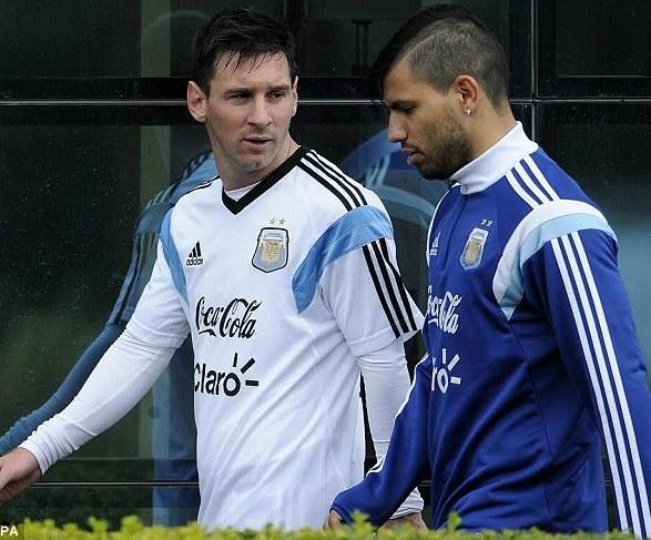 Messi y Agüero lideran el ataque albiceleste.
