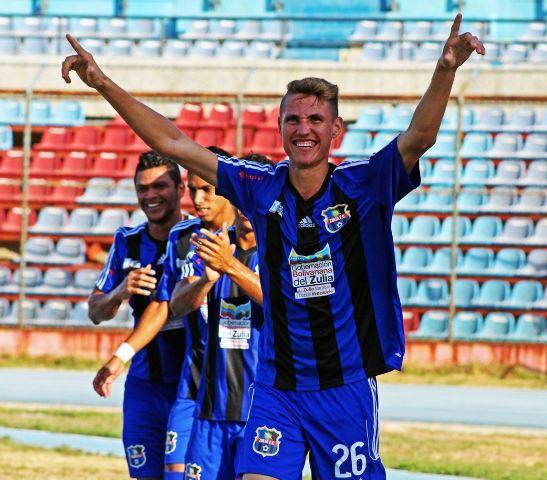 Luis Paz anotó los dos goles del triunfo zuliano.